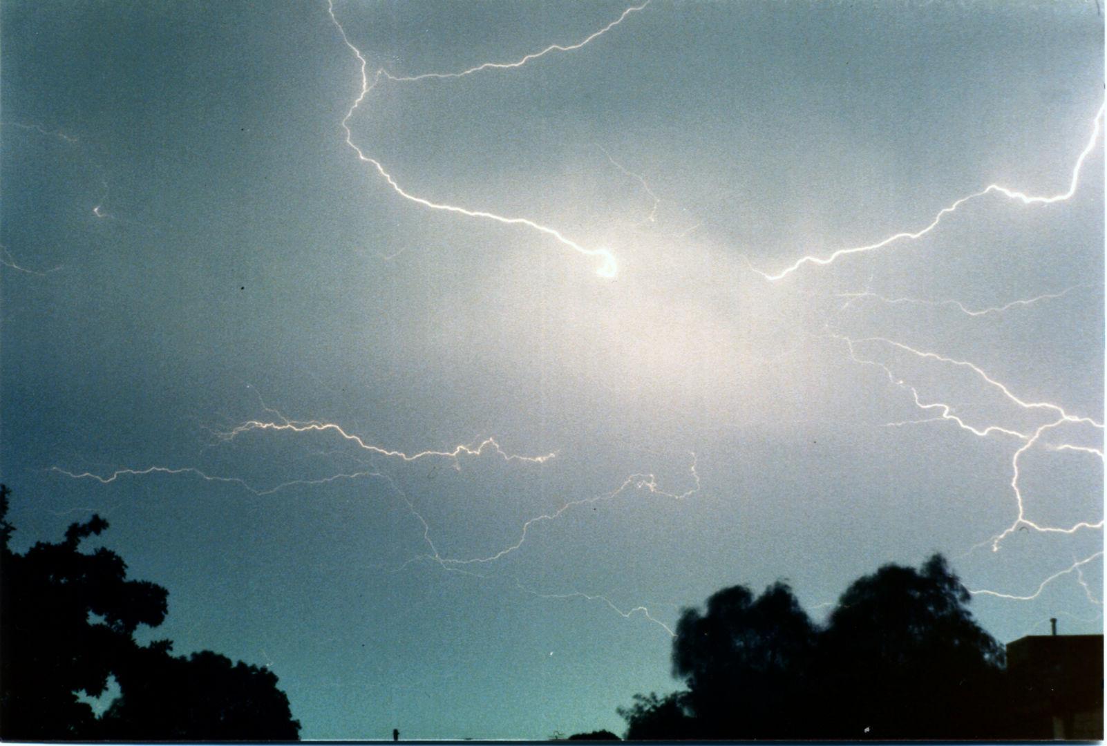 025 lightning over lismore.jpg
