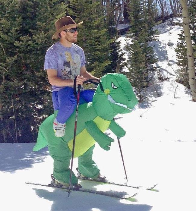 t-rex-skiing-costume-650x700.jpg